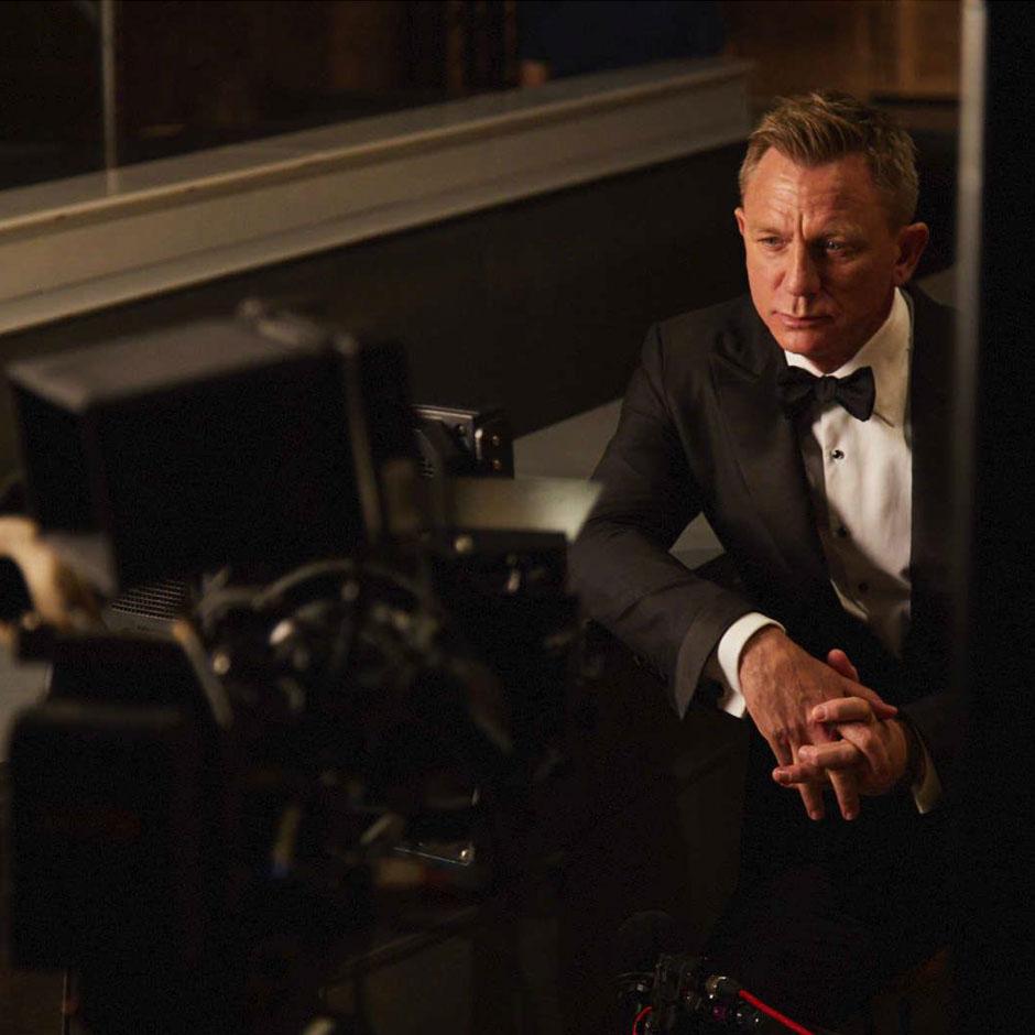 Heineken commercial extended version: Daniel Craig vs James Bond