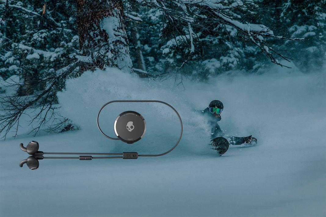 Met de Skullcandy Vert gaan boardsport, buitensport, actie en muziek goed samen