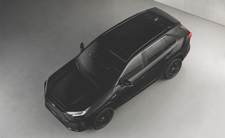 Stijlvol zwart met de Toyota RAV4 Hybrid Black Edition