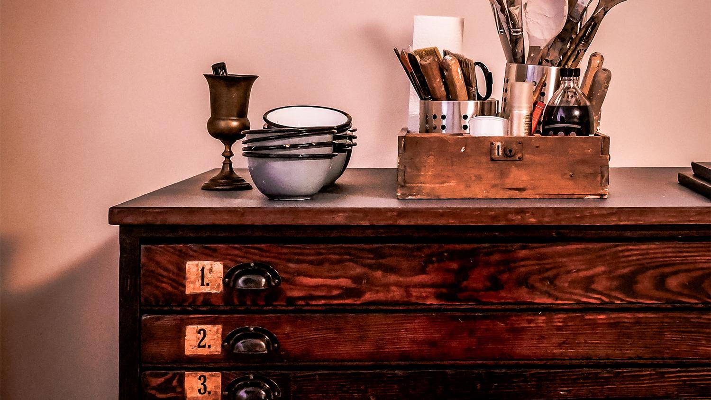 De voordelen van een houten dressoir